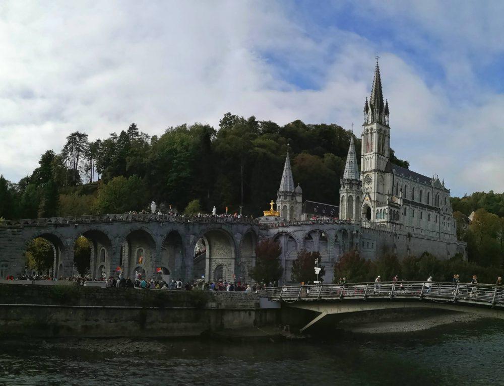 Pelé service à Lourdes